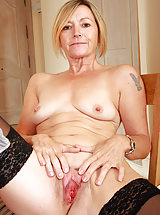 pussy lips, Hot 49 year old Susie slips off her working clothes to spread her pussy